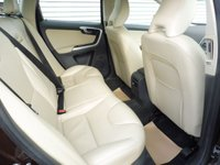 USED 2015 65 VOLVO XC60 2.0 D4 SE LUX NAV 5d 188 BHP