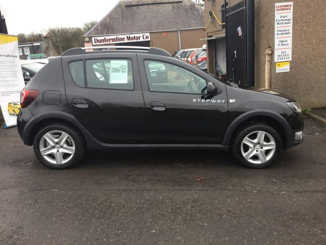USED 2015 15 DACIA SANDERO 1.5 STEPWAY LAUREATE DCI 5d 90 BHP ++SERVICE HISTORY+CAR COMES WITH A FREE 6 MONTHS BREAKDOWN COVER++