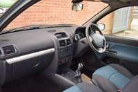 USED 2003 03 RENAULT CLIO 1.4 DYNAMIQUE BILLABONG 16V 3d 98 BHP