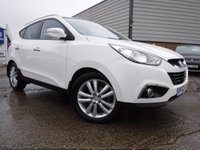 USED 2012 62 HYUNDAI IX35 2.0 PREMIUM CRDI 4WD 5d 134 BHP *** FINANCE & PART EXCHANGE WELCOME *** 4X4 6 SPEED DIESEL SAT/NAV BLUETOOTH PHONE REVERSE CAMERA PANORAMIC ROOF FULL BLACK LEATHER