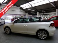 USED 2015 15 VOLKSWAGEN GOLF 2.0 SE TDI BLUEMOTION TECHNOLOGY 2d 109 BHP ONE OWNER FROM NEW TWO KEYS SERVICE HISTORY FRONT REAR PARKING SENSORS ALLOY WHEELS THREE SERVICE STAMPS V.W