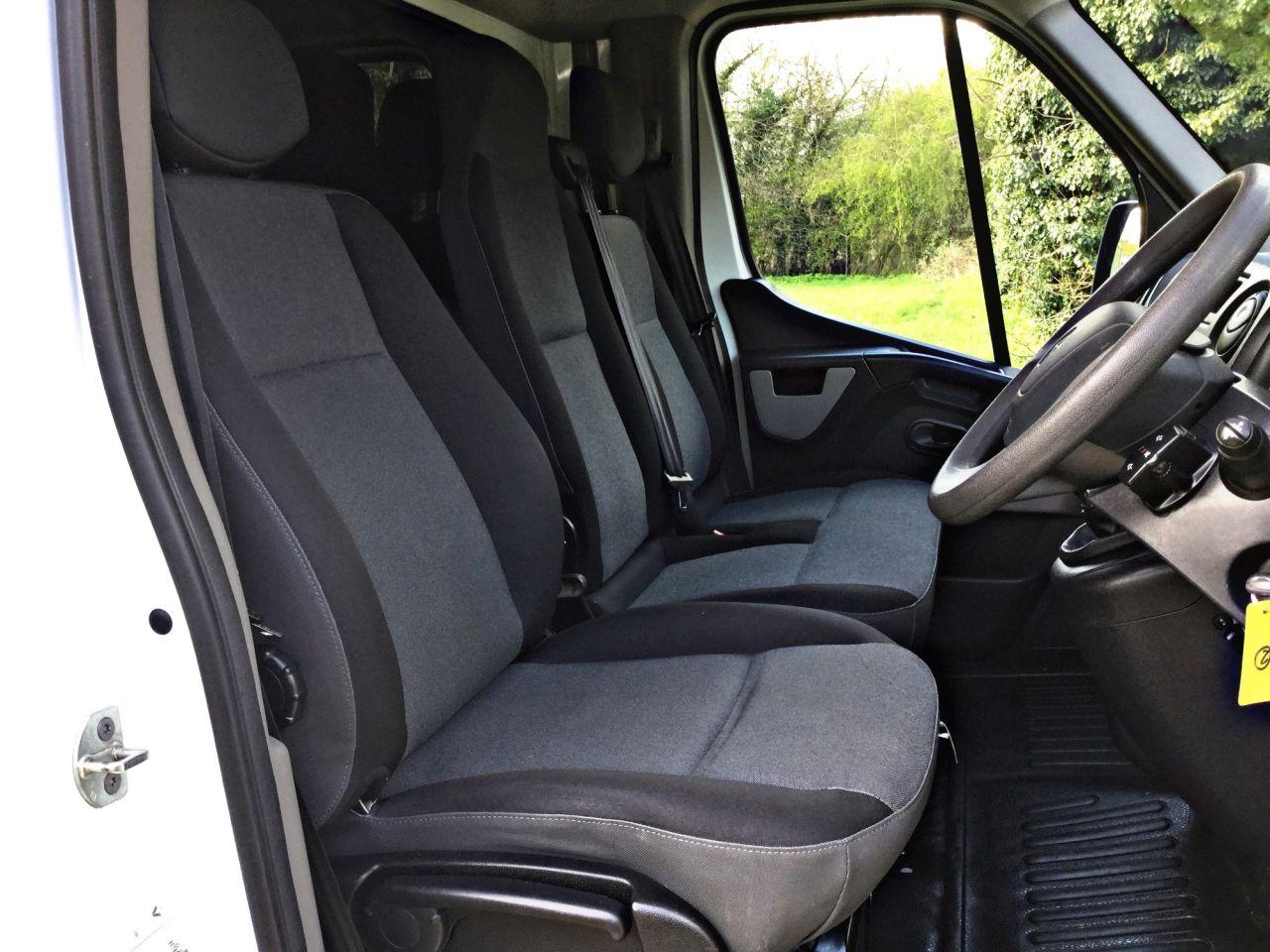 2016 Renault Master Ll35 Business DCI L/R C/C £13,995