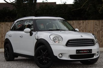 2013 MINI COUNTRYMAN 2.0 COOPER D BUSINESS 5d AUTO 110 BHP.PAN ROOF £12495.00
