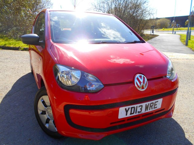 2013 13 VOLKSWAGEN UP 1.0 TAKE UP 3d 59 BHP ** £20 ROAD TAX , GROUP 1 INSURANCE , ONE PREVIOUS OWNER , FANTASTIC FIRST CAR **