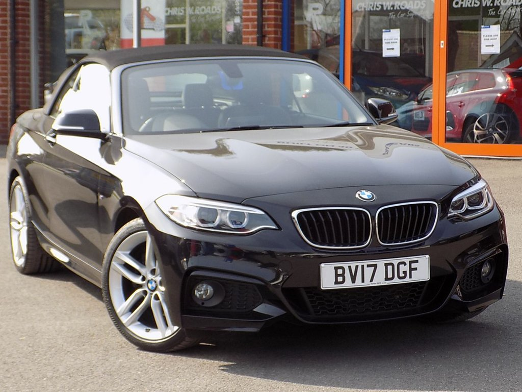 USED 2017 17 BMW 2 SERIES 220i M Sport 2dr (Nav) Convertible ** Sat Nav + Leather **