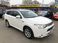 2014 MITSUBISHI OUTLANDER 0.0 PHEV GX 4H 5 DOOR AUTO 162 BHP IN WHITE WITH SAT NAV,SUN ROOF AND LEATHER SEATS. £12999.00