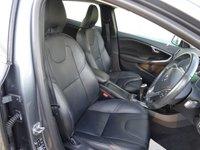 USED 2015 64 VOLVO V40 1.6 D2 SE LUX NAV [FREE TAX] Turbo Diesel 5 Dr