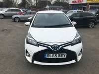 2015 TOYOTA YARIS 1.5 HYBRID ICON 5d AUTO 73 BHP IN WHITE 45K MILES ONE OWNER FULL SERVICE HISTORY REVERSE CAMERA £8799.00