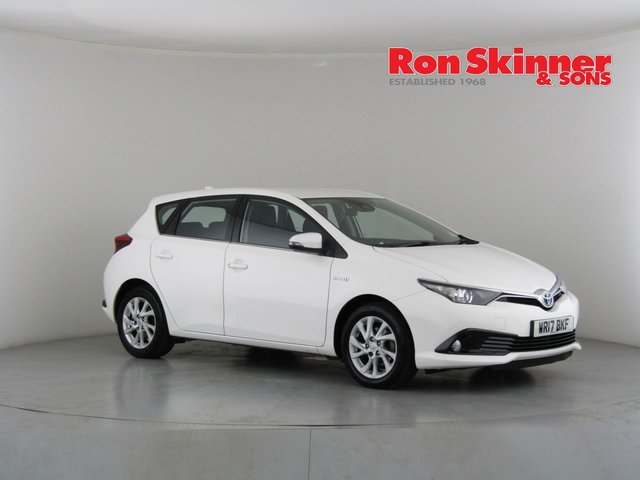 View our 2017 17 TOYOTA AURIS 1.8 VVT-I BUSINESS EDITION TSS 5d AUTO 99 BHP
