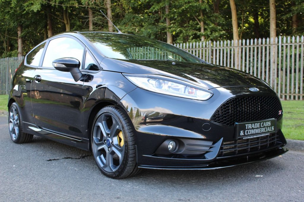 USED 2015 15 FORD FIESTA 1.6 ST-2 3d 180 BHP A LOVELY CLEAN EXAMPLE WITH FULL SERVICE HISTORY!!!