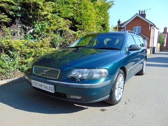 2004 VOLVO V70 2.4 SE PETROL AUTOMATIC - UK CAR - ULEZ COMPLIANT £2990.00