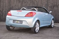 USED 2009 VAUXHALL TIGRA 1.4 EXCLUSIV 16V RED 2d 90 BHP Full Service History