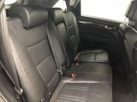 USED 2013 63 KIA SORENTO 2.2 CRDI KX-2 SAT NAV 5d AUTO 194 BHP