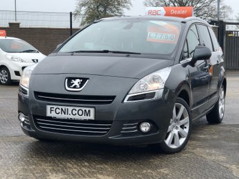 2014 PEUGEOT 5008 1.6 HDI ALLURE // HEADS UP DISPLAY // CRUISE CONTROL // PANORAMIC ROOF £7750.00