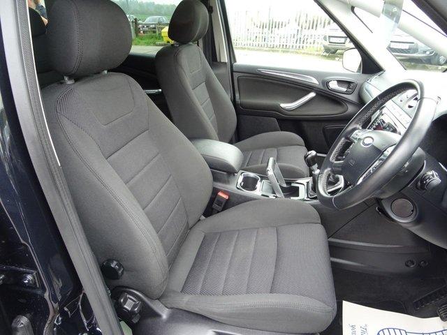 FORD S-MAX at Victoria Motors Ltd