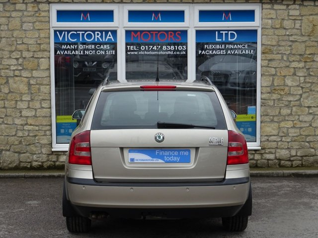 SKODA OCTAVIA at Victoria Motors Ltd