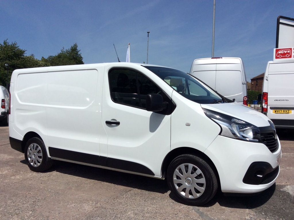 USED 2017 17 RENAULT TRAFIC SWB 1.6 SL27 BUSINESS PLUS ENERGY DCI 125 BHP 1 OWNER FSH MANUFACTURERS WARRANTY SPARE KEY ELECTRIC WINDOWS AND MIRRORS BLUETOOTH 6 SPEED AIR CONDITIONING REAR PARKING SENSORS EURO 6