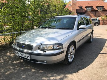 2004 VOLVO V70 2.4 PETROL SE AUTOMATIC - UK CAR - ULEZ COMPLIANT £3990.00