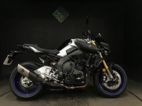 2018 YAMAHA MT-10 SP. DEC 2018. ONLY 325 MILES. AKRAPOVIC EXHAUST + EXTRAS £11999.00