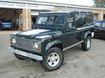2002 LAND ROVER DEFENDER 2.5 110 HARD-TOP TD5 2d 120 BHP £9995.00