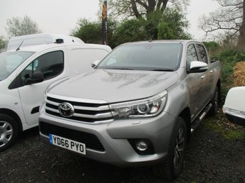 2016 TOYOTA HI-LUX 2.4 TURBO DIESEL PICK UP INVINCIBLE 4WD D-4D DCB  AUTO 150 BHP SILVER  £18950.00