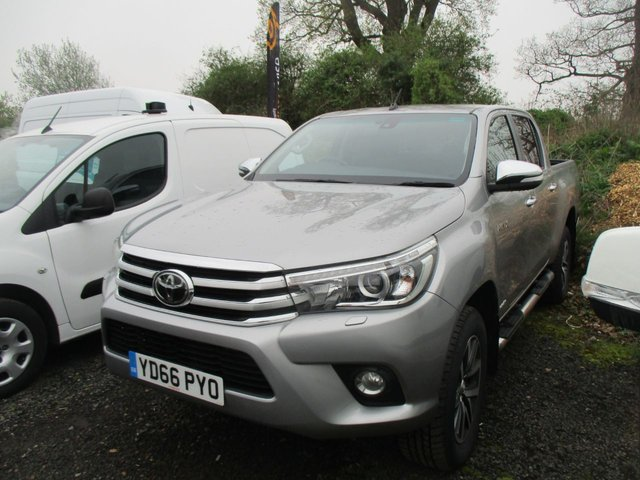 2016 66 TOYOTA HI-LUX 2.4 TURBO DIESEL PICK UP INVINCIBLE 4WD D-4D DCB  AUTO 150 BHP SILVER