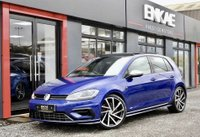USED 2017 17 VOLKSWAGEN GOLF 2.0 R TSI DSG 5d AUTO 306 BHP PANORAMIC ROOF*19 INCH SPIELBERG ALLOYS*LAPIZ BLUE*PRIVACY GLASS*SAT NAV*VIRTUAL COCKPIT*2 PREVIOUS OWNERS*FULL SERVICE HISTORY WITH VW*PRIVACY GLASS*VIRTUAL COCKPIT*HEATED ALCANTRA SEATS*GET READY FOR THE SUMMER IN THIS AMAZING HOT HATCH*
