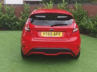 USED 2015 65 FORD FIESTA 1.6 ST-2 3d 180 BHP RACE RED - 1 OWNER