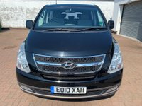 2010 HYUNDAI I800 2.5 STYLE CRDI 5 DOOR 168 BHP IN BLACK WITH 8 SEATS IN GREAT CONDITION. £8499.00