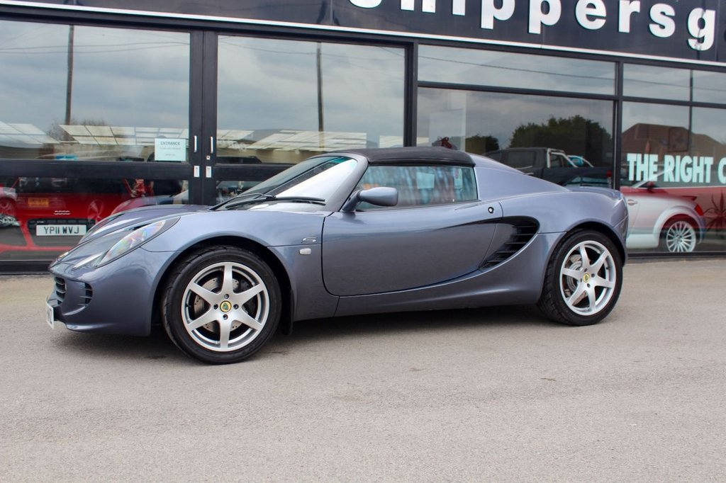 USED 2006 56 LOTUS ELISE 1.8 S TOURING 2d 134 BHP Grey Metallic with full red leather interior, remote central locking, electric windows, Bluetooth phone and audio, extensive service history with receipt file