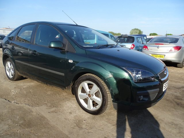 USED 2005 05 FORD FOCUS 1.6 ZETEC CLIMATE AUTOMATIC PX TO CLEAR