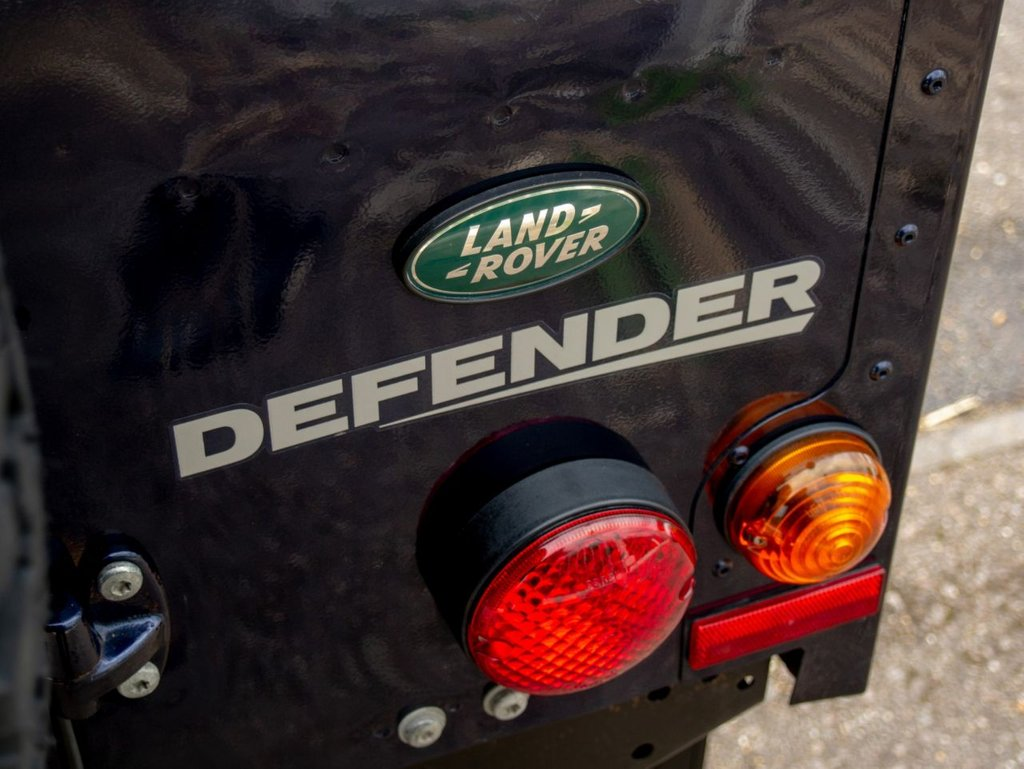 USED 2013 63 LAND ROVER DEFENDER 2.2 TD HARD TOP 1d 122 BHP