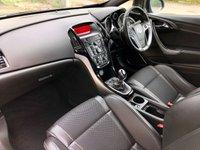 USED 2013 12 VAUXHALL ASTRA 2.0 VXR 3d 280 BHP, STUNNING CAR, VXR RACING SEATS. 20