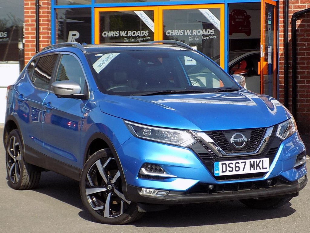 USED 2017 67 NISSAN QASHQAI 1.6 dCi Tekna+ 5dr 4WD ** Sat Nav + Leather + Pan Roof **