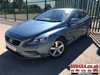 View our VOLVO V40 SE
