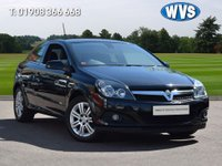 USED 2009 09 VAUXHALL ASTRA 1.6 DESIGN 3d 115 BHP Just 30,000 miles with 7 Vauxhall service stamps and 2 keys.