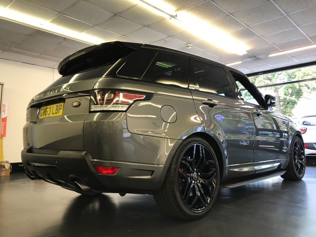 """USED 2013 63 LAND ROVER RANGE ROVER SPORT 5.0 V8 AUTOBIOGRAPHY DYNAMIC 5d AUTO 510 BHP HUGE SPEC, REAR SCREENS, PAN ROOF, CAMERA, 22"""" WHEELS, FULL LAND ROVER SERVICE HISTORY"""