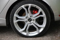 USED 2014 RENAULT CLIO 1.6 RENAULTSPORT 5d AUTO 200 BHP