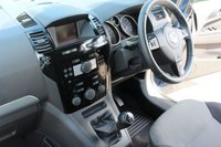 USED 2012 12 VAUXHALL ZAFIRA 1.6 DESIGN 5d 113 BHP