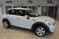 USED 2013 62 MINI COUNTRYMAN 1.6 ONE 5d 98 BHP FINISHED IN STUNNING LIGHT WHITE WITH CARBON BLACK CLOTH SEATS + EXCELLENT MINI SERVICE HISTORY + BLUETOOTH + DAB RADIO + AIR CONDITIONING + REAR PARKING SENSORS