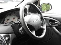 USED 2002 51 FORD FOCUS 1.6 ZETEC 5d 99 BHP 12 MONTHS MOT DRIVES SUPERB