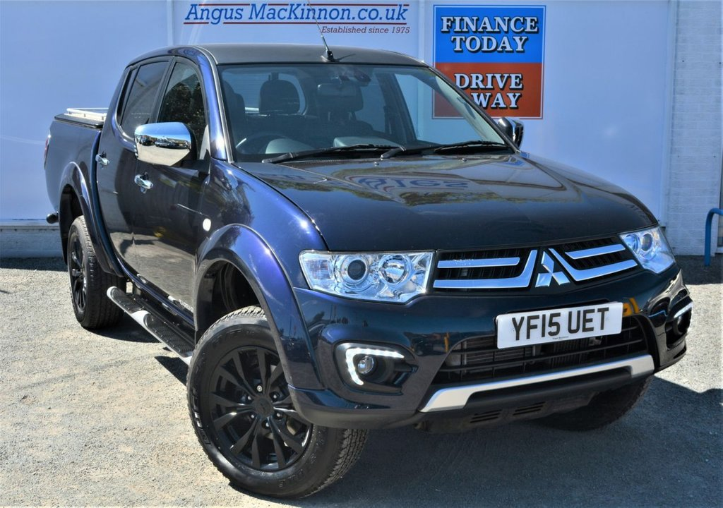 USED 2015 15 MITSUBISHI L200 2.5 DI-D 4X4 BARBARIAN BLACK EDITION 5 Seat Double Cab Lifestyle Pickup AUTO Stunning in Dark Blue Amazing Black Alloys with Very Low Mileage and Great High Spec inc Sat Nav Heated Leather Seats Bluetooth Mobile Handsfree DAB Radio Rear Camera Full Mitsubishi Service History Only One Owner and Ready to Drive Away Today ** LOW MILEAGE FOR AGE**