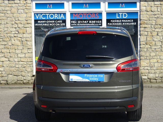 FORD S-MAX at Victoria Motors Ltd