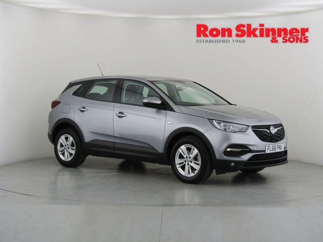 View our 2018 68 VAUXHALL GRANDLAND X 1.5 SE S/S 5d 129 BHP