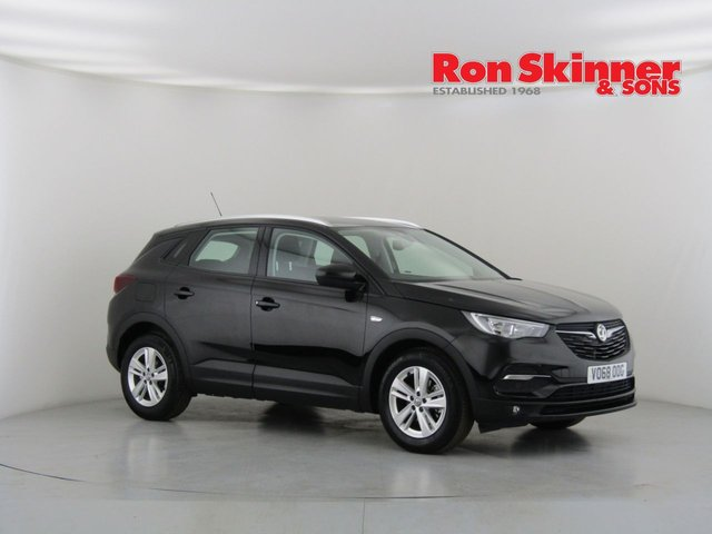 View our 2018 68 VAUXHALL GRANDLAND X 1.2 SE S/S 5d 129 BHP