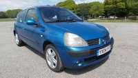 USED 2004 04 RENAULT CLIO 1.1 DYNAMIQUE 16V 3d 75 BHP SUNROOF, ALLOY WHEELS, CD-PLAYER, REMOTE LOCKING, ELECTRIC WINDOWS, IDEAL 1ST CAR, ECONOMICAL, METALLIC PAINT, PART EXCHANGE TO CLEAR