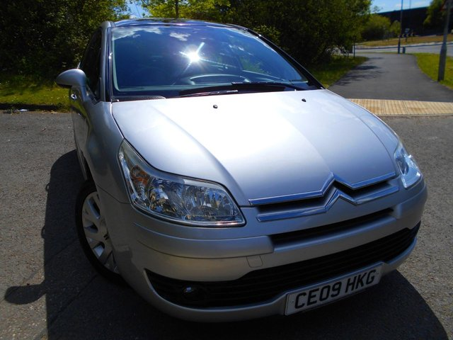 2009 09 CITROEN C4 1.6 CACHET I 5d 108 BHP ** ONE PREVIOUS OWNER , FULL GLASS ROOF , PART EXCHANGE TO CLEAR BARGAIN **