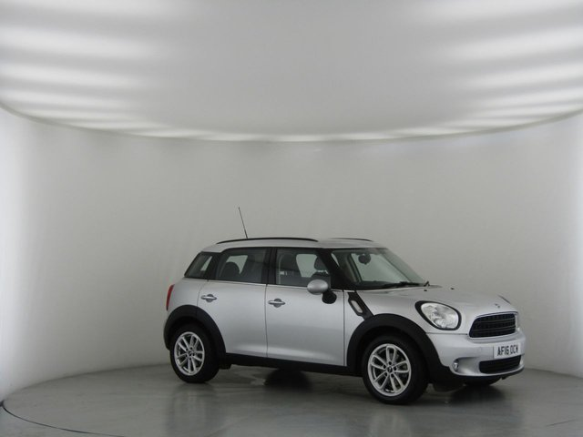 View our 2016 16 MINI COUNTRYMAN 1.6 COOPER D BUSINESS 5d 110 BHP