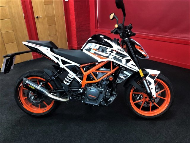View our KTM 390 DUKE 17