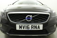 USED 2016 16 VOLVO V40 2.0 D2 CROSS COUNTRY LUX 5d 118 BHP PARK SENSORS - BLUETOOTH - DAB
